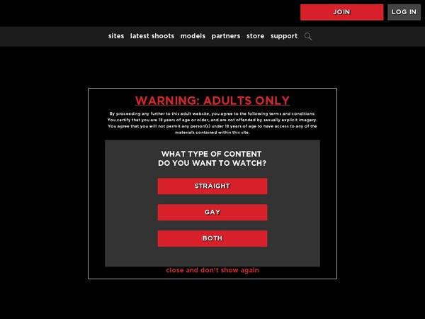Nakedkombat Porn Accounts
