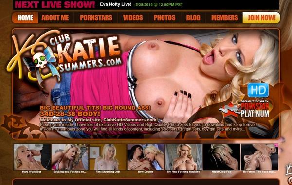 Gratis Club Katie Summers